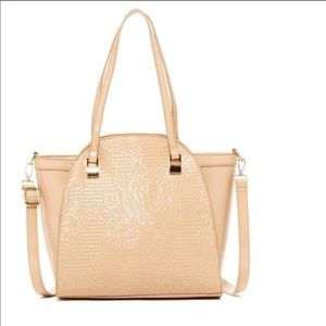 Boutique-Pink Haley Wall of Rose Tote in Beige